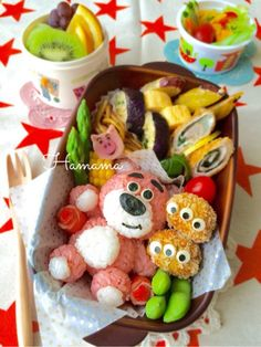 Planning your little girl's first Cocoa Tea Party? Teas The Seaon has outlined the how-to steps and an exampled of a real life Cocoa Tea Party! Bento Box, Lunch Box, Hello Kitty Rooms, Cocoa Tea, Girls Tea Party, Cute Bento, Out To Lunch, Tasty Dishes, Japanese Food