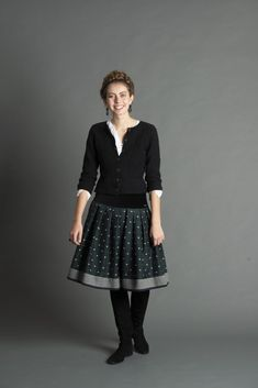 Folk Fashion, Womens Fashion, Socks And Sandals, Neue Trends, Dress Up, Folk Style, Style Inspiration, Couture, Sewing