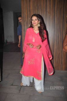 Aditi Rao Hydari looked lovely in pink at Aamir Khan's Diwali bash.