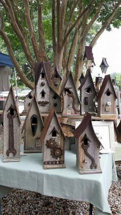Great Idea 35+ Most Popular Birdhouses Rustic For Your Beautiful Garden https://decoredo.com/8217-35-most-popular-birdhouses-rustic-for-your-beautiful-garden/