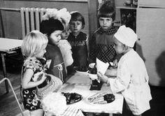 """children playing """"supermarket"""" in kindergarten"""