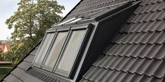 VELUX dakkapel serre Loft Conversion Velux, Dormer Windows, Attic Stairs, Blinds, Garage Doors, New Homes, Exterior, Lights, Outdoor Decor