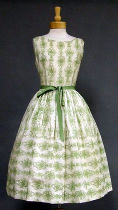 Looking for a 50's style dress.  Quite like this.