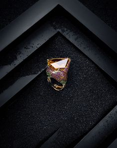 Discover our jewelry styles delicately hand crafted to perfection - Discover our jewelry styles delicately hand crafted to perfection - Jewelry Ads, Photo Jewelry, Fashion Jewelry, Jewelry Design, Jewelry Shop, Jewelry Accessories, Leather Jewelry, Gold Jewelry, Jewelry Rings