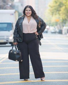 "Darlene (@suitsheelscurves) on Instagram: ""New Monday. New Week. New Goals. 👊🏼 Full outfit details at www.suitsheelsandcurves.com {link in…"""