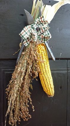 autumn door hanger. Want to make something like this!