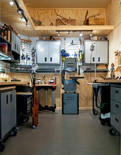 a 10 x 10 Wood Carvers Workshop. A lot of good ideas here for storage and layout.