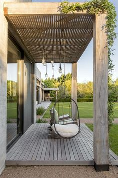 The wooden pergola is a good solution to add beauty to your garden. If you are not ready to spend thousands of dollars for building a cozy pergola then you may devise new strategies of trying out something different so that you can re Small Backyard Patio, Backyard Patio Designs, Outdoor Pergola, Backyard Pergola, Diy Patio, Backyard Landscaping, Outdoor Decor, Landscaping Ideas, Small Pergola