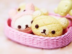 """kawaii-mochi: """" Miniature korilakkuma bread - I just love all the little re-ment miniatures they look so sweet my collection of them is really staring to get out of hand hehe XD """" Japanese Food Sushi, Japanese Bread, Japanese Things, Rilakkuma, Melon Bread, Chocolate Day, Asian Desserts, Fruit Art, Favim"""