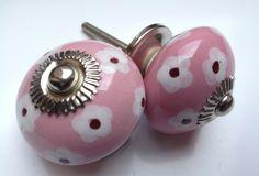 197 Roze deurknopjes met bloemetjes 4 cm