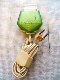 LADY SCHICK Model 10 Electric Shaver-Razor- Trimmer in Bright Lime Green- WoRKS!- Cool Starburst Des Electric Razors, Card Sentiments, Vintage Ladies, Vintage Items, Conditioner, Bright, This Or That Questions, Model