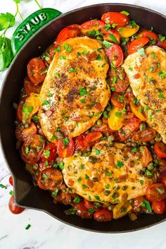 Simple ONE PAN chicken and tomatoes skillet dinner. Healthy, easy, and flavor PACKED. Gluten free, dairy free, and ready in 30 minutes! Recipe at wellplated.com | @wellplated