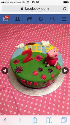 Peppa pug birthday cake