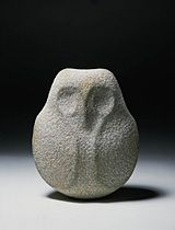 neolithic sculpture millenium bce cult stele or simple sculpture of a owl from algeria Art Sculpture, Stone Sculpture, Animal Sculptures, Soapstone Carving, Crystal Garden, Native American Pottery, Ceramic Animals, Indigenous Art, Stone Work