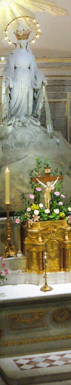 Particolare della Cappella della Madonna della Medaglia Miracolosa . Questo santuario è situato nel cuore di Parigi, alla Rue du Bac 140.