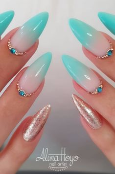 30 Sexy Nail Art Glitter 2019 Nail Art Glitter Use gel acrylic or fiberglass for application Suitable for professional and home use Picture Credit alinahoyonailartist Sexy Nail Art, Sexy Nails, Cute Nails, Pretty Nails, Summer Acrylic Nails, Best Acrylic Nails, Aqua Nails, Blush Nails, Turquoise Acrylic Nails