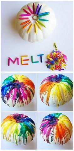 Creative Halloween Crafts for Kids to Make - Crafty Morning DUUUUUUUDE!!! | wow een regenboog pompoen met gesmolten waskrijt