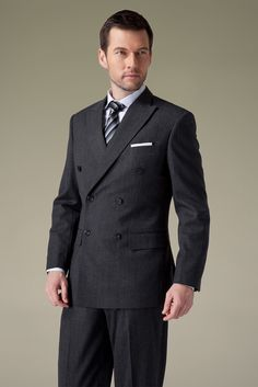 High-quality charcoal grey tweed has excellent wrinkle resistance and crisp sense.