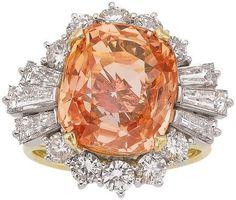 Padparadscha Sapphire, Diamond, Gold Ring / 13.16 carats, cushion-shaped padparadscha sapphire / 18k gold