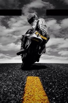 Find the best prices on Doctor Rules Valentino Rossi Yamaha MotoGP Canvas Wall Art Picture Print and save money. Valentino Rossi Yamaha, Valentino Rossi 46, Motogp, Vale Rossi, Course Moto, Gp Moto, Harley, Super Bikes, Road Racing