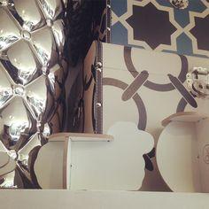 #mini Angelina neste #pattern de fundo #chiquerrimo  @@@@@@@@@@@@@@@@@  Angelina Ovelha Miniature 3DPuzzleDesignCollection  45  A turma toda está numa #loja linda em #Pinheiros .  Passem lá pra visitar e levar pra casa logo antes que acabe :)  Rua Artur de Azevedo 1561  Pinheiros  #arturdeazevedo #mateusgrou #cool #design #bacana #sustentavel #lindo #presente #sustentavelcomestilo  Visite nossa pagina e nosso Shop Link direto na descrição do perfil :) Conheçam o projeto e vejam nossos…