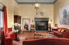 Lounge CASTELLO DEL NERO S.p.A.  Phone: +39 055 80 64 70  E-mail: info@castellodelnero.com Strada Spicciano n. 7 – 50028 Tavarnelle Val di Pesa (FI) – ITALY