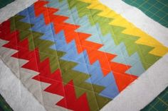 Jaybird Quilts Pattern Review - Mini Northern Lights Quilt - Sew Sweetness #hexnmore #jaybirdquilts #jaybirdmini  http://sewsweetness.com/
