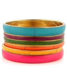 Nice rainbow of colored bangles! Panama Beaches Rainbow Bangle Set