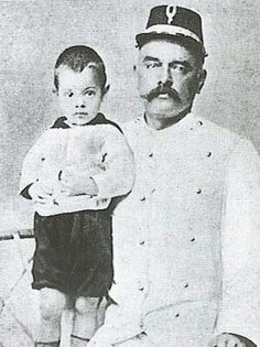 Rudolf MacLeod with his son Norman by Margaretha (Mata Hari)