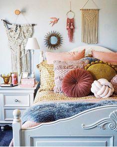"6,691 Likes, 46 Comments - Bohemian Decor (@bohemiandecor) on Instagram: ""Look at all those textures!! Photo via @melaniestevenson_ #bohemiandecor"" Bedroom Colors, Boho Bedroom Decor, Diy Bedroom, Bedroom Designs, Boho Teen Bedroom, Bedroom Lighting, Master Bedroom Design, Dream Bedroom, Interior Design Living Room"