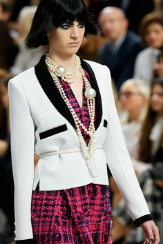Chanel Spring 2014 Ready-to-Wear Collection Slideshow on Style.comhttp://onegirlsparty-corrina.blogspot.com/2013/10/say-what.html