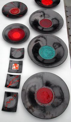 """Collezione piatti """"Basato"""" Fused Glass Plates, Fused Glass Art, Stained Glass Art, Bullseye Glass, Blown Glass Art, Sculpture Painting, My Glass, Wine Glass, Teller"""