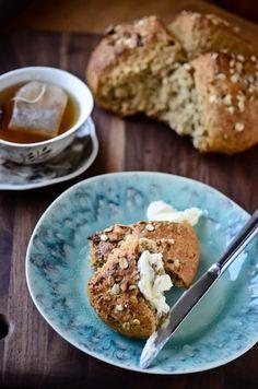 blissfulb - BLISS - blissful eats with tina jeffers: Hazelnut honey oat bread Quick Bread, How To Make Bread, Honey Oat Bread, Healthy Eats, Healthy Recipes, Muffin Bread, Bread Bun, Bread Board, Breakfast Time