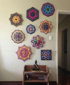 With a Link to a step-by step tutorial for DIY string art mandalas, this post has 20 examples of these wall decorations. - With a Link to a step-by step tutorial for DIY string art mandalas, this post ha. Diy And Crafts, Arts And Crafts, Gods Eye, Geometric Designs, Mandala Art, String Art, Art Decor, Home Decor, Diy Design