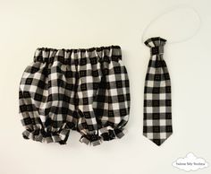 Black Boy Bloomers Tartan baby bloomer by DoloresBabyBoutique Black And White Baby, Black Boys, Black Tie, Tartan Tie, Boys Ties, Baby Bloomers, Baby Boy Outfits, Dresser, Boutique