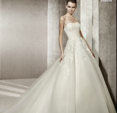 Prepossessing Strapless Appliques Gauze Satin Bridal Gowns