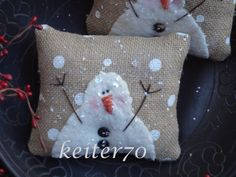 Hey, I found this really awesome Etsy listing at https://www.etsy.com/listing/217641532/two-primitive-christmas-holiday-burlap