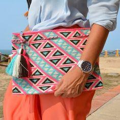 Crochet Clutch, Crochet Purses, Knit Crochet, Crochet Bag Tutorials, Tapestry Crochet Patterns, Clutch Pattern, Tapestry Bag, Boho Bags, Purses And Bags