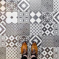Repost @parisianfloors 75010 - Rue du Chateau d'Eau #parisianfloors#ihavethisthingwithfloors#fromwhereistand#selfeet#tiletheworld#feetmeetfloors#paris#floor#tiles#mosaic#carrelage#tuttifruttiles#pattern#desugn#interiordesign#architecture#shoes#andressendra#leathershoes#ateliercouronnes by feetmeetfloors