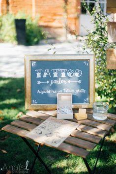 eleonore-thierno-orangerie-de-rochemontes-182- mariage - automne - toulouse - fleurs - flowers - décoration - bar à tatouages