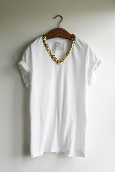 diy: t-shirt make-over: sequin collar t-shirt
