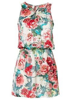 Maxi Outfits, Chic Outfits, Girls Haircuts Medium, Casual Dresses, Fashion Dresses, Island Outfit, Fashion Walk, Mom Dress, Floral Fashion