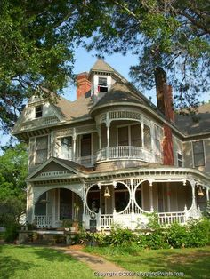 Painted Ladies 2 on Pinterest | Victorian Houses, Queen Anne and ...