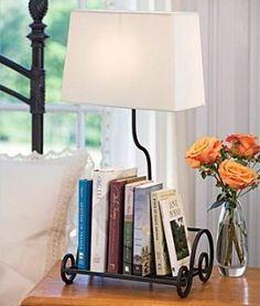 Mira @Guisela Aguilar de Cuevas lámpara con base para poner libros