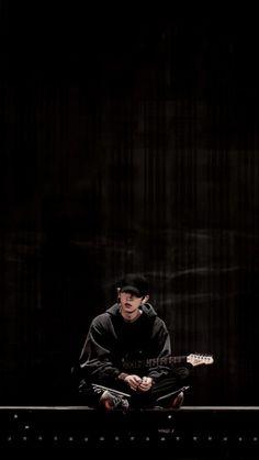 Phone Background of Chanyeol with his Guitar Baekhyun, Lightstick Exo, Chanyeol Cute, Park Chanyeol Exo, Kpop Exo, Exo Wallpaper Hd, Wallpapers, Cover Wattpad, Exo Fan Art