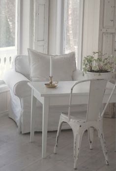 Pure white. With a hint of spring in the flower pot