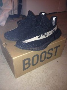 [LC] Yeezy Oreo v2s. I posted it on /repsneakers and /clubrep but I'm getting mixed answers