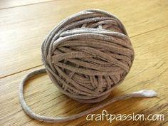 DIY upcycling T-shirt yarn crafty-design