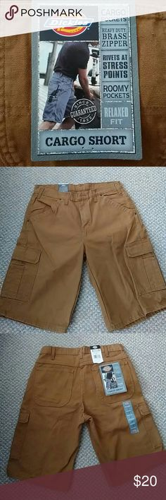 NWT MEN'S DICKIES CARGO SHORTS These 100% cotton relaxed fit cargo shorts have lots of roomy cargo pockets, rivets at stress points and a heavy duty brass zipper. Dickies Shorts Cargo