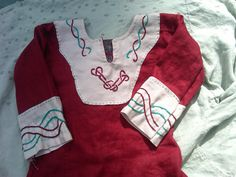 From Thrift Store to Garb: Child's Viking Tunic  from the Maniacal Medievalist blog